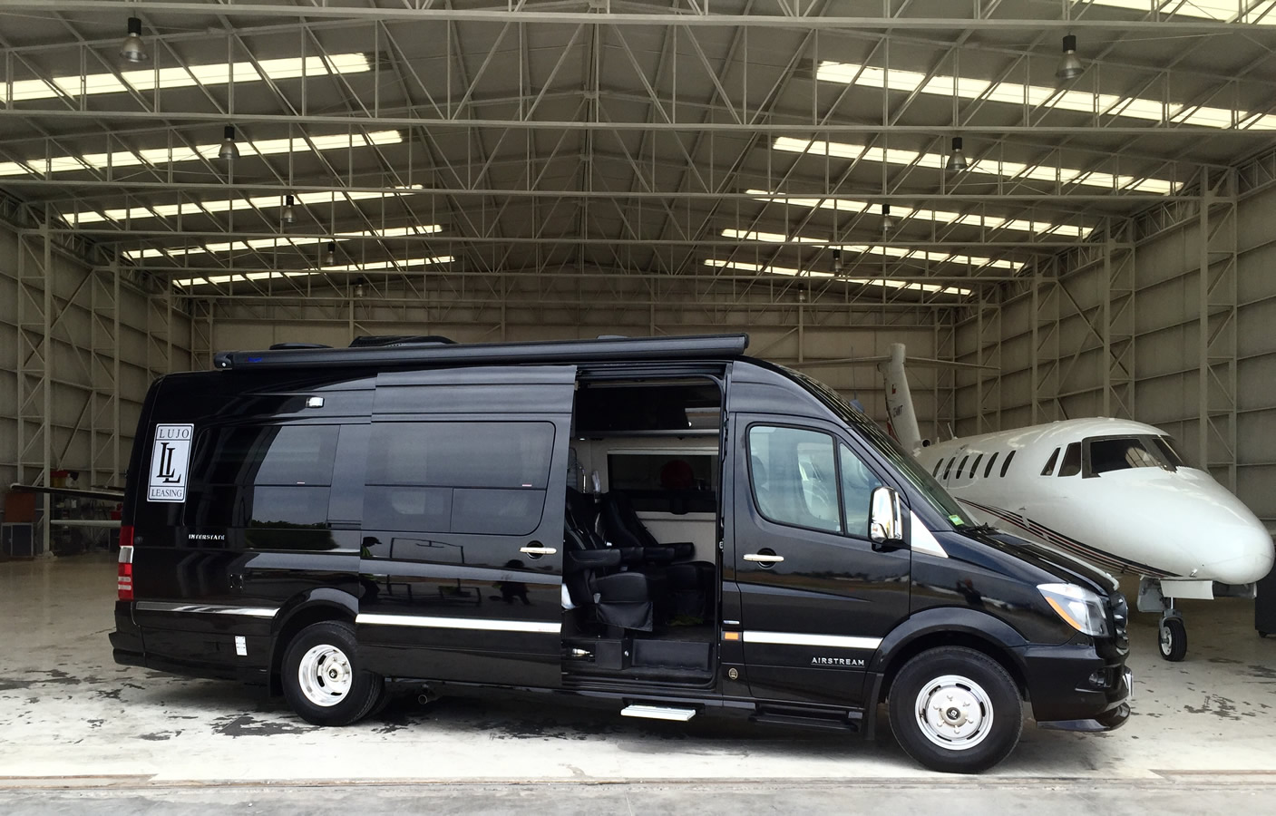 24.Cat.V-Sprinter-Limo-2015-8-Pax-Max